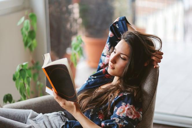Reading iStock.jpg